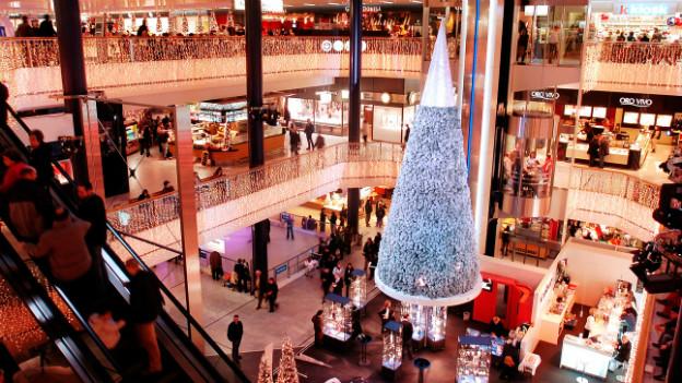 Weihnachtsverkauf im Einkaufszentrum Glatt/ZH.