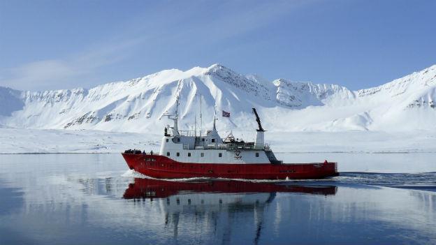 Die Eisschmelze in der Arktis eröffnet neue Routen für die Schifffahrt.
