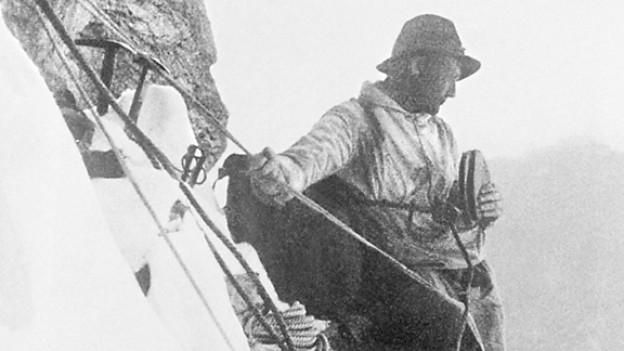 Verschnaufpause in der Eiger-Nordwand: Heinrich Harrer gönnt sich ein Butterbrot.