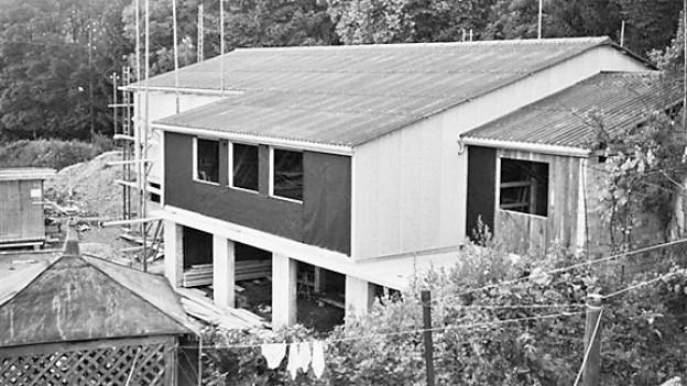 Das Klubhaus vom Modelleisenbahnklub Wil während der Bauphase in den 1960-er Jahren.