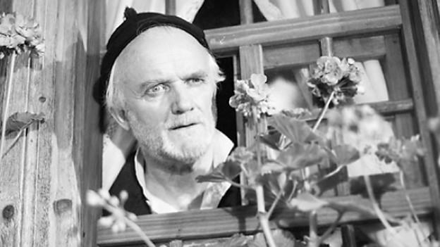 Emil Hegetschweiler 1954 als «Glungge-Buur Joggeli».