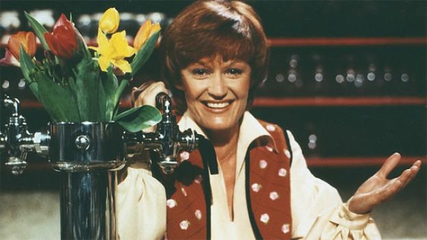 Rosmarie Pfluger 1977 als Moderatorin in der Sendung «Zum doppelten Engel».