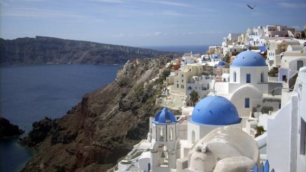 Blick über die Hauptstadt der griechischen Insel Santorini «Ia»