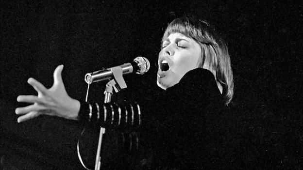 Mireille Mathieu 1971 in der Musikhalle Hamburg.