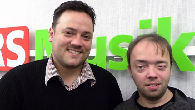 Zwei Ursprung Buam: Martin und Andreas Brugger im Studio von DRS Musikwelle.