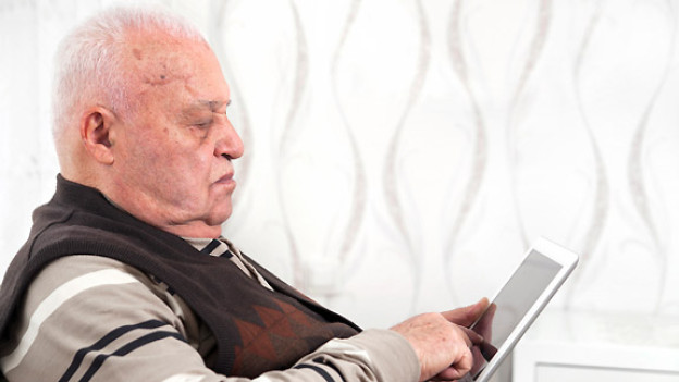 Ein Tablet Computer ist sehr handlich und lässt sich einfach bedienen.