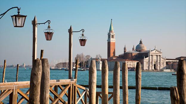 Am Ufer des Canal Grande in Venedig.