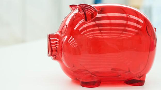 Soll man das Sparschwin mästen oder doch lieber etwas häufiger Geld für Vergnügungen ausgeben?