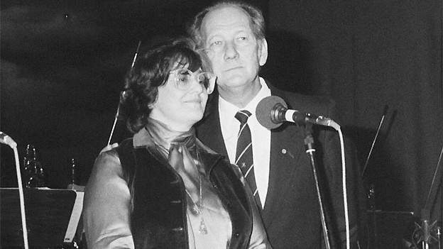 Elisabeth Schnell und Ueli Beck haben öfters gemeinsam gesungen, wie hier bei einer Studioparty 1983 in Zürich.