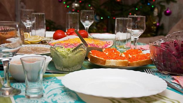 Der Tisch ist gedeckt, die Gäste fürs Weihnachtsessen können kommen. Doch nicht alle schätzen das Zusammensein gleichermassen.
