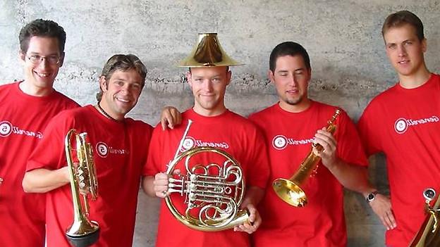 Generell5: Unkonventionell und unterhaltend begeistern die fünf Profimusiker aus der Hochschule für Musik und Theater in Zürich mit einem Unterhaltungsprogramm vom Feinsten!