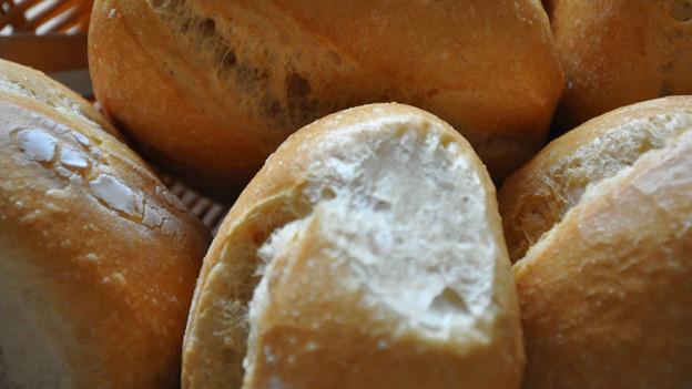 Obwohl auch süsse Naschereien ausgeteilt werden, sind die Mutschli bei der Bäckermöhli am begehrtesten.