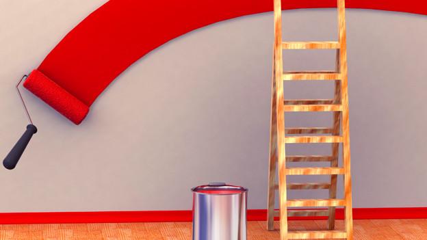 Ein Farbroller hinterlässt eine breite rote Farbspur auf einer grauen Wand.
