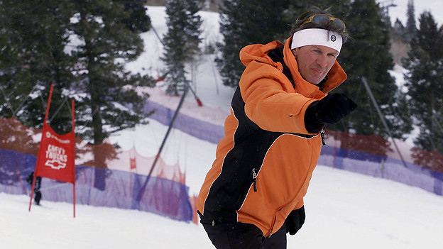 Bernhard Russi lange nach seiner Karriere als Spitzensportler: Im Februar 2001 zeigt er in Snowbasin im amerikanischen Bundesstaat Utah die Piste der Olympia-Herrenabfahrt von Salt Lake City 2002. Die Piste wurde kurz vorher mit dem ersten Training zu den Weltcup Skiabfahrten eingeweiht.