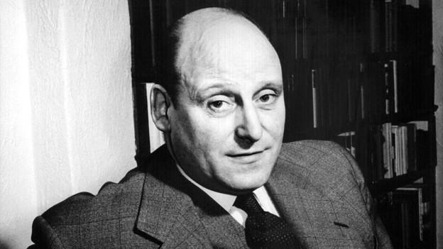 Für Francis Durbridge (Jg. 1912) wurde der Begriff Straßenfeger erfunden. Durbridges Hörspiele und Serien brachten Weltläufigkeit und Verbrechen in schweizer Wohnzimmer.