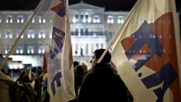 Vor der Abstimmung zum Budget kam es gestern Abend vor dem Parlament zu Protesten gegen die Sparpolitik.