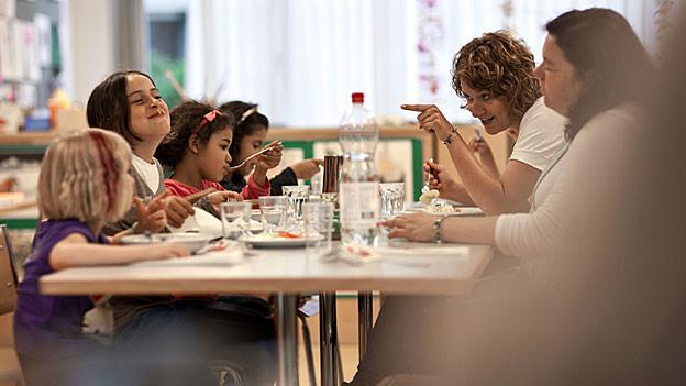 Die Stadt Baden will mehr Kinderkrippen-Plätze anbieten. Der Einwohnerrat stimmt der neuen, offensiven Strategie zu.