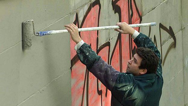 Solothurner Maler beseitigen Sprayereien zu einem günstigeren Tarif - doch weiss das kaum jemand.