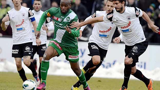 Der FC Aarau holte in der Verlängerung das 2:0 gegen St. Gallen und ist damit im Cup-Viertefinal.