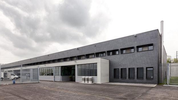 Das Zentralgefängnis in Lenzburg hätte die drei Gefängnisse in Bad Zurzach, Bremgarten und Laufenburg ersetzen sollen.