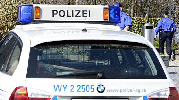 Die Aargauer Kantonspolizei sucht mögliche Opfer eines 21-jährigen mutmasslichen Sexualstraftäters aus dem Kanton Zug.