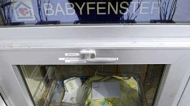Das Babyfenster am Spital Einsiedeln wurde schon mehrfach in Anspruch genommen.