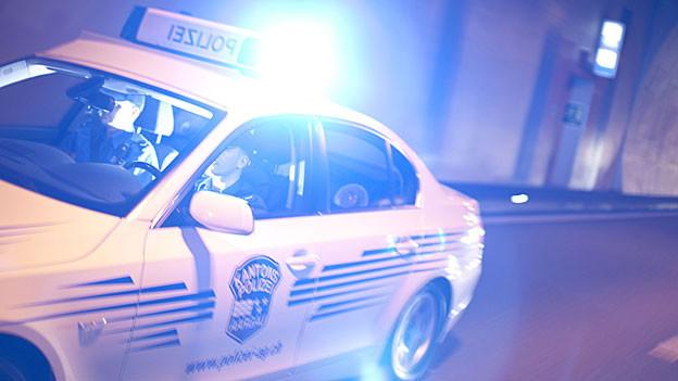 Ein Schuss eines Aargauer Polizisten verletzt mutmasslichen Autodieb