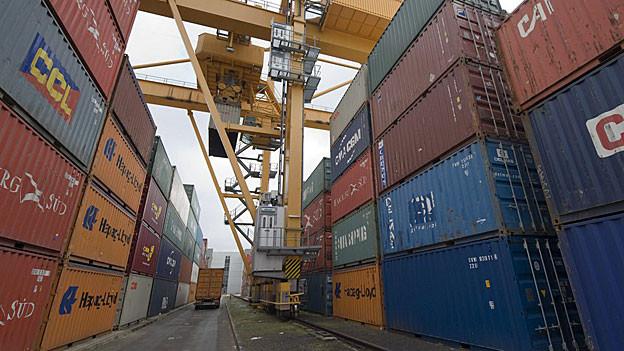 SBB Cargo will im Limmattal einen riesigen Container-Terminal bauen. Im Bild das Gelände der Firma Contargo in Basel.