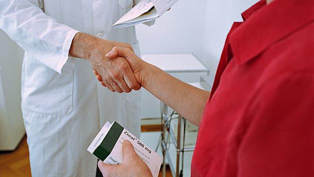 Der Grosse Rat wollte nicht entscheiden, ob nur Apotheker oder auch Ärzte Medikamente verkaufen dürfen.