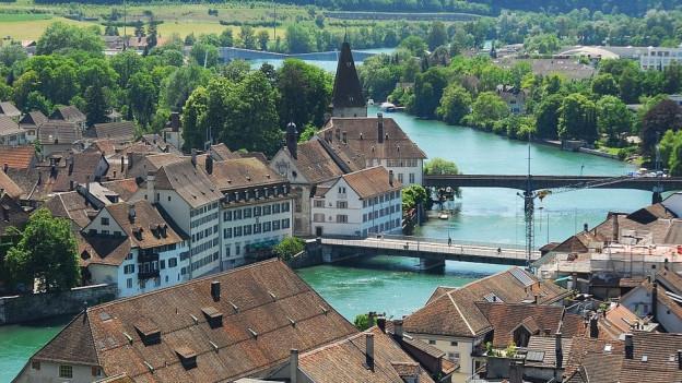 Die Wengibrücke in Solothurn (vorne) ist mit Jahrgang 1877 eine der ältesten im Kanton.