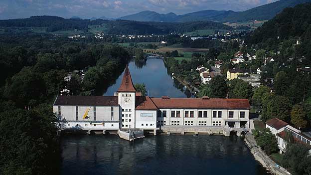 Die neue Konzession für das Wasserkraftwerk Aarau sollte planmässig vergeben werden können, so der zuständige Kanton Solothurn.