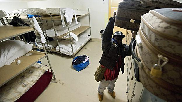 Bis jetzt können Aargauer Gemeinden auch zahlen, statt Asylsuchende aufzunehmen. Dies will die Regierung nun ändern.