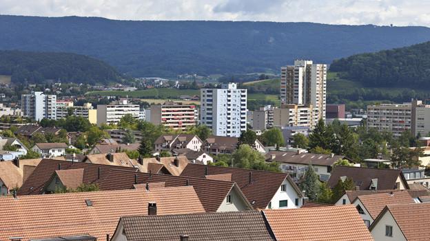 Im Limmattal zwischen Baden und Zürich leben 200'000 Menschen. Im Bild die Gemeinde Spreitenbach.