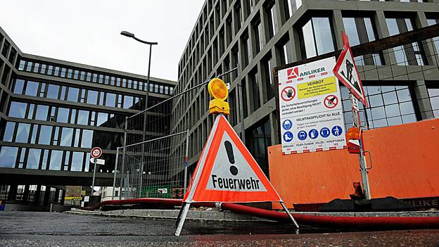 Zwei Wochen nach dem Brand im Campus-Neubau beim Bahnhof Brugg zeigt sich, der Schaden ist grösser als gedacht.