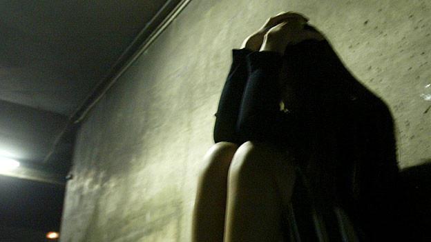 Der Täter missbrauchte das 15jährige Mädchen und entführte es dann ins Tessin. Dort wurde er im Januar 2011 verhaftet. (Symbobild)