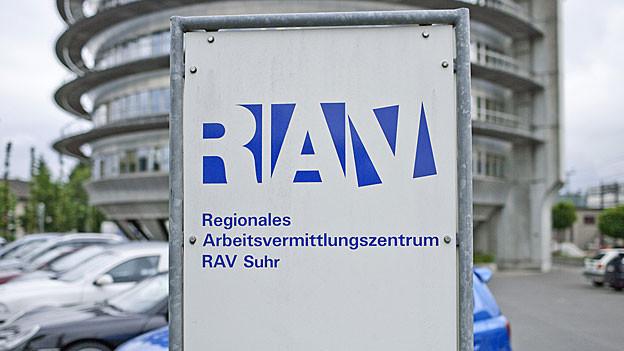 Weniger Arbeitslose in den Kantonen Aargau und Solothurn. Trotzdem sind die Aussichten gerade im Aargau nicht rosig.