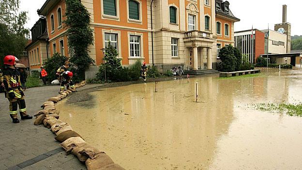Trotz Starkregen erwarten die Experten kein Hochwasser wie 2005 in Windisch (Bild).