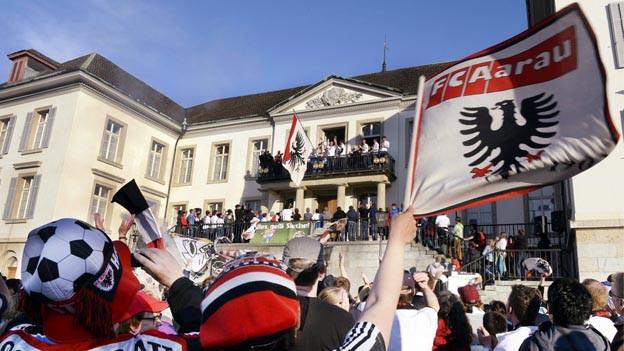 Der FC Aarau feiert den Aufstieg