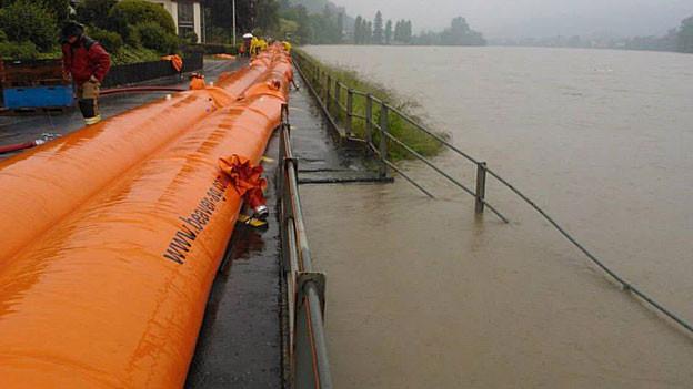 Die neuen mobilen Hochwassersperren haben sich im Einsatz bewährt.