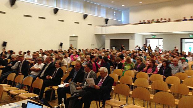 Rund 400 Personen liessen sich über die geplante Asylunterkunft informieren.