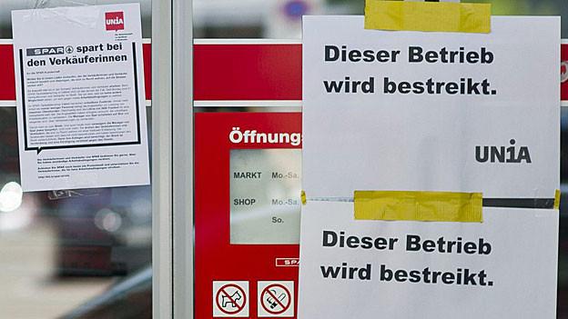 Die 21 Angestellten im Spar-Shop in Baden-Dättwil fordern mehr Lohn und weniger lange Arbeitszeiten.