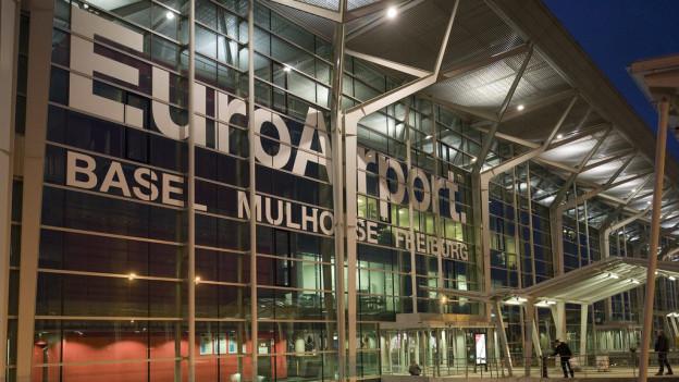 Die neuen Passagiergebühren für den EuroAirport ärgern die Basler Regierung.