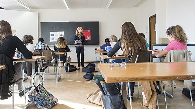 Bild in Lightbox öffnen.  Bildlegende: Die Aargauer Regierung will, dass künftig nicht mehr die Schulpflege entscheidet, wer in einer Gemeinde Lehrer wird.