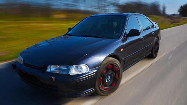 Wer ausserorts über 140 Stundenkilometer fährt, gilt nach neuem Gesetz als Raser (Symbolbild).