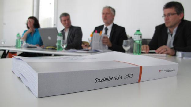 Ganze 600 Seiten umfasst der diesjährige Sozialbericht des Kantons Solothurn.