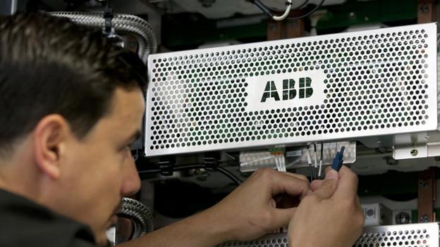Ein Mitarbeiter der ABB Schweiz in Turgi.