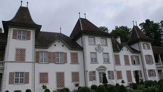 Das Schloss Waldegg beherbergt aktuell ein Museum, kantonale Büros, die Musikakademie und es gilt als Begegnungszentrum.