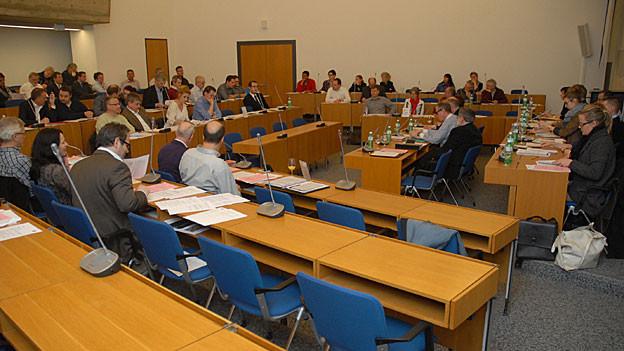 Ob sich in Olten Parlament (links) Stadtrat (rechts) noch auf eine Ressortverteilung einigen können, ist noch unklar.