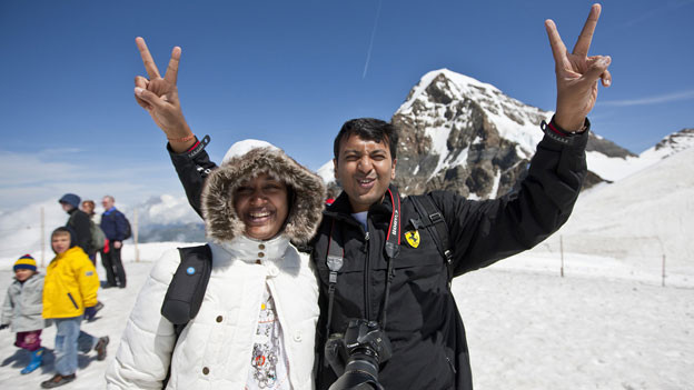 Kanton Solothurn als Basis für indische Touristen? Zwei Touristen auf dem Jungfraujoch.