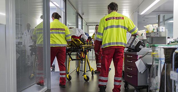 Säumige Prämienzahler erhalten im Kanton Solothurn nur noch im Notfall medizinische Hilfe.